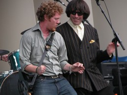 Glen at Lollapalooza dancing with Beatle Bob 2006